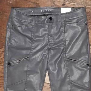 White House Black Market pants the skinny size 8